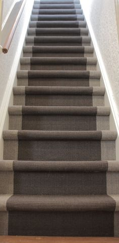 Where To Buy Plastic Carpet Runners Product Entry Stairs, Entry Hallway, House Stairs, Carpet Stairs, Fur Carpet, Beige Carpet, Modern Carpet, Plastic Carpet Runner, Dutch House