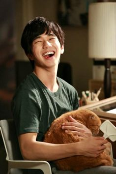 More cat cuddles for Yoo Seung-ho » Dramabeans Korean drama recaps Imaginary Cat premieres November 24 on MBC Every1.