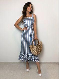 Vestido-Midi-Viscolinho Work Fashion, Urban Fashion, Outfit Vestidos, Dress Outfits, Fashion Dresses, One Piece Dress, Festival Fashion, Dress Collection, Striped Dress