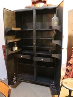 1000 images about industriel on pinterest atelier deco and armoires - Armoire industrielle ancienne ...