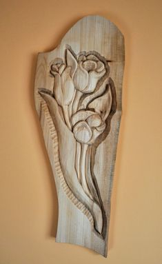 Dremel Wood Carving, Wood Carving Art, Carving Tools, Wood Carving Designs, Wood Carving Patterns, Wooden Roses, Chip Carving, Into The Woods, Wood Bird
