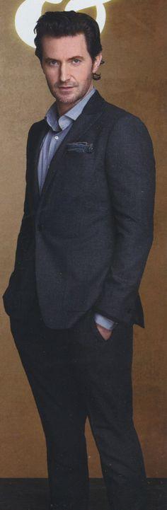 Richard Armitage, in a suit, with that longer hair of his. Richard Armitage, Sarah Dunn, Berlin, John Thornton, King Richard, Handsome Actors, Handsome Man, British Actors, British Guys