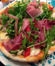 Se terminaron las pizzas aburridas. Te paso la receta de la masa bien fácil! Y algunas ideas para ponerle ingredientes ricos arriba!