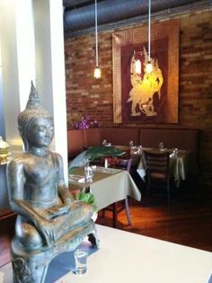 Galangal Thai Fusion: Thai Restaurants Toronto Buddha and the glass of water