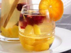 sweet & fruity white wine sangria.
