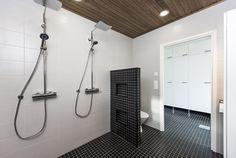 Design-Talo Trion pesuhuone Seinäjoen asuntomessuilla. Track Lighting, Bathtub, Ceiling Lights, Bathroom, Home Decor, Design, Standing Bath, Washroom, Bathtubs