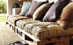 Pallet Furniture: Pallet Sofa - Wooden Pallets Ideas for Bed, Table, Couch Old Pallets, Wooden Pallets, Pallet Wood, Euro Pallets, Pallet Boards, Skid Pallet, Wood Boards, Diy Pallet Couch, Diy Couch