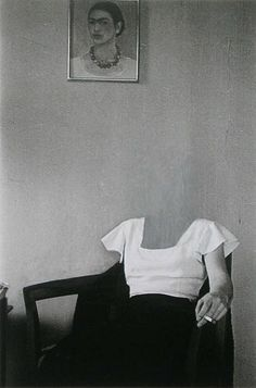 Charlotte Bracegirdle, New York 1932 Zeitgenössische Kunst - Frida kahlo - Art World Photocollage, Art And Illustration, Belle Photo, White Photography, Collage Art, Collages, Image Collage, Art Inspo, Illustrator