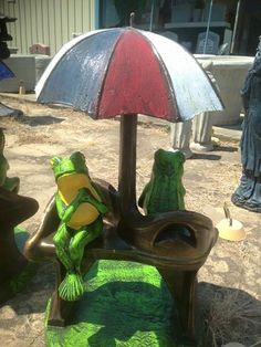 65 Frogs Sharing Umbrella Yard Art Concrete Garden