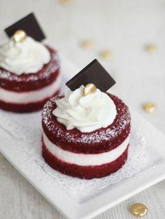 Red velvet mini cakes from Martha Stewart Weddings