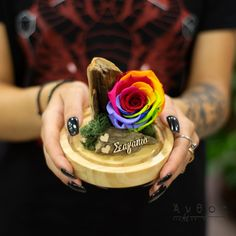 Υπέροχες προτάσεις από λουλούδια!! Fresh Flowers, Wood Watch, Wooden Clock