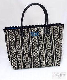 nordeste handbags bolsos personalizados hechos a mano con amor Nordeste handbags #nordestehandbags #nordeste #chic #handmade #handbag #bags #bolsos #iniciales #bolsobordado #tudiseñastubolso #fashion #santander #barcelona
