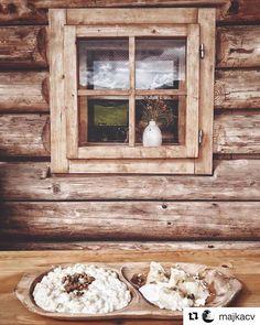 Časy minulé... aj budúce  mňam mňam  #praveslovenske od @majkacv  Single  Taken  Hungry  (always ) #slovakia #slovensko #halusky #pirohy #slovakfolklore #jedlo #traditionalfood #old #oldtimer #oldtimes #wood #wooden #tradicie #traditions #traditional #folk #folklor #folklore #folkstyle #folkscenery #vyrobenenaslovensku #slovenskyvyrobok #slovenskyfolklor