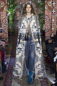 Roberto Cavalli Frühjahr/Sommer 2017 Ready-to-Wear - Fashion Shows London Fashion Weeks, Fashion Week Paris, Milano Fashion Week, Fashion 2017, Runway Fashion, Boho Fashion, High Fashion, Fashion Show, Fashion Trends
