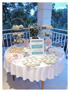 dessert table idea - love the frame