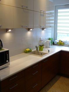 Wnętrza, mała kuchnia w bloku - kuchnia