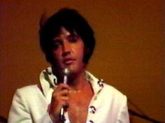 Elvis on stage at the Las Vegas Hilton in august 12 1970.