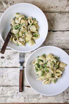 Boursin Pasta With Spring Peas
