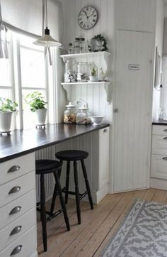 Ideas breakfast bar kitchen corner for 2019 Kitchen Corner, New Kitchen, Kitchen White, Kitchen Small, Corner Pantry, French Kitchen, Awesome Kitchen, Beautiful Kitchens, Cool Kitchens
