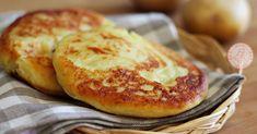 Le focaccine di patate veloci in padella sono veloci, gustose e facilissime. Potete anche decidere di farcirle o di farne una grande e potete sbizzarrirvi come volete
