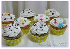 "Cupcakes ""M & M"" Facebook: ""Repostería Artesanal Gladys"""
