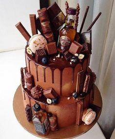 17 Trendy Ideas Birthday Cupcakes For Men Treats 18th Birthday Cake, Birthday Cupcakes, 50th Birthday Cakes For Men, Birthday Decorations For Men, Alcohol Cake, Cupcakes For Men, 30 Cake, Birthday Cake Decorating, Drip Cakes