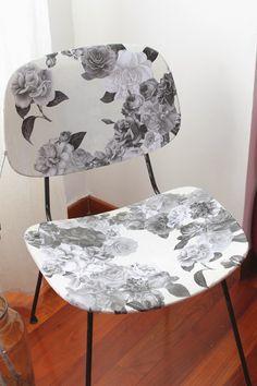 Ho deciso di partecipare al Pin Contest di Abilmente reinventando questa sedia recuperata in un mercatino con un decoupage di sapore un po' ...