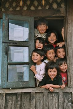 why are these children so happy?  What do they see?  What just happened before the picture?