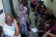 NER halálsor - Szűk lépcsőházban tolongva várnak sorukra(sorsukra) a rákos betegek a kórházban Venezuela