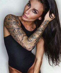 Magnifique Full Sleeve Tattoo Belle Femme Brune - Tattoo photography girl woman arm brunette