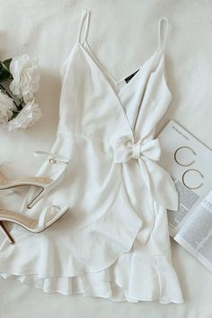 Lulus A white wrap dress outfit for every bridal event on the calendar. Make you… Lulus A white wrap dress outfit for every bridal event on the calendar. Make your special day complete with simple gold hoops and white ankle strap […] Cool Summer Outfits, Cute Casual Outfits, Casual Dresses, Maxi Dresses, Wrap Dresses, Cute Dress Outfits, Casual Suit, Dress Clothes, Style Clothes