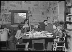 Scott's Run, West Virginia. Employed miner's family - Sessa Hill - This picture was taken at the natural supper hour, March 1937 Harlem Renaissance, Photos Du, Old Photos, Tennessee Valley Authority, Dust Bowl, Still Picture, Photo Maps, Art Deco, The Old Days