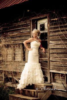 Beautiful Wedding Dress | Rustic | Wedding Photography