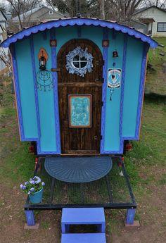 Gypsy Vardo Caravan <O>