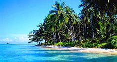 Pantai Senggigi Lombokmerupakan sebuah pantai yang paling terkenal di lombok, Di pantai senggigi ini ada banyak sekali kegiatan-kegiatan yang dapat
