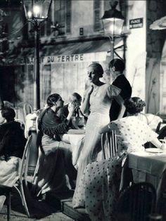"mimbeau: ""Montmartre - Place du Tertre Paris 1932 George Hoyninguen-Huene """