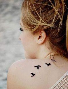 Des oiseaux sur l'épaule