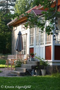 ℐ mίtt paгadίs Swedish Cottage, Red Cottage, Swedish House, Weekend House, Wooden House, Scandinavian Style, Own Home, House Tours, Pergola