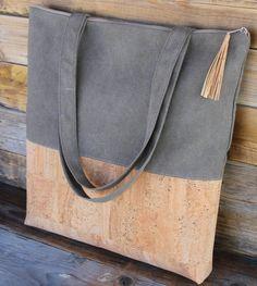 cork handbag Just bought it. Yeah, it's on it's way!
