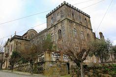 15 edificios abandonados em Portugal II...O Palácio de Midões é uma das construções emblemáticas de Midões (Tábua), pela localização na vila e por estar junto de construções de reconhecido valor. Casa brasonada, pertenceu ao segundo Visconde de Midões. Está em avançado estado de degradação (foto: olhares