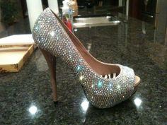 Glittery pumps