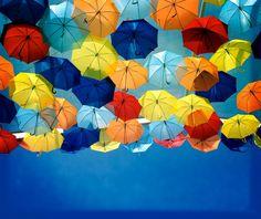 roomed-paraplu-straten-agueda-4