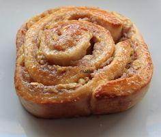 Rolls de canela y manzanas ( cinnamon apple rolls) Rulli - Bullar ~ Pasteles de colores