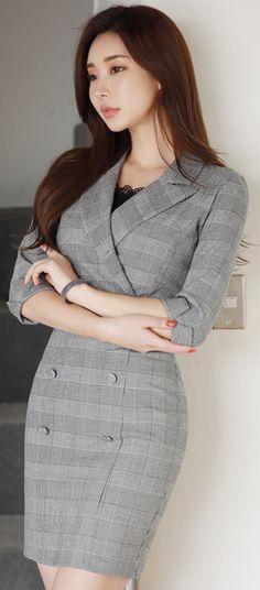 StyleOnme_Double-Breasted Collared Wrap Dress #check #classy #trench #dress #sleek #koreanfashion #kstyle #kfashion #springtrend #seoul #formallook