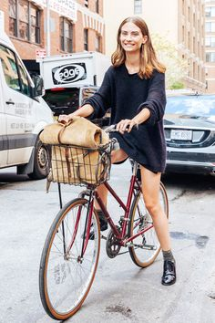 Learning to ride a bike is no big deal. Learning the best ways to keep your bike from breaking down can be just as simple. Road Bike Women, Bicycle Women, Bicycle Girl, Mountain Bike Shop, Mountain Biking, Bicycle Store, Bicycle Rack, Cycling Girls, Women's Cycling