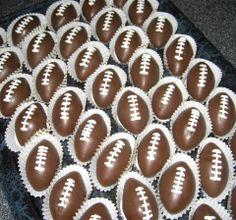 Football Cake Balls Idea #Super bowl dessert #treats #football shaped cake balls made by Diane   http://www.sassydealz.com/2014/01/football-cake-balls-idea.html