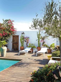 10 momentos de relax junto a la piscina