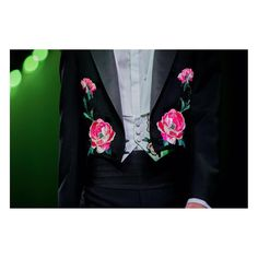 Embroidered flowers enrich a three-piece evening suit on the men's runway by See a video of the collection through link in bio. Gucci Fashion, Fashion Show, Embroidered Roses, Alessandro Michele, Tuxedo, Floral Tie, Menswear, Brooch, My Style