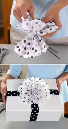 13 DIY Gift Wrap Ideas To Make Your Gifts More Special - A special gift is not enough without the prefect wrapping. A gift wrap is what the person you want - giftwrappingbows Gift Wrapping Bows, Gift Wraping, Creative Gift Wrapping, Present Wrapping, Gift Bows, Christmas Gift Wrapping, Diy Christmas Gifts, Creative Gifts, Homemade Christmas