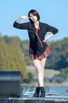 Beautiful Young Lady, Beautiful Asian Women, Student Fashion, Girl Fashion, Cute Japanese Girl, Japanese Wife, Japanese Models, Cute Asian Girls, Girl Bands